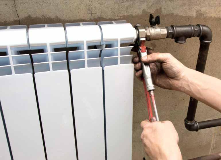 Монтаж батареи отопления своими руками видео