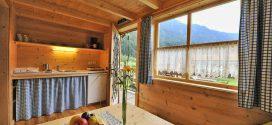 Как обустроить дачный домик внутри?
