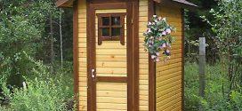 Деревянный туалет для дачи: достоинства и недостатки
